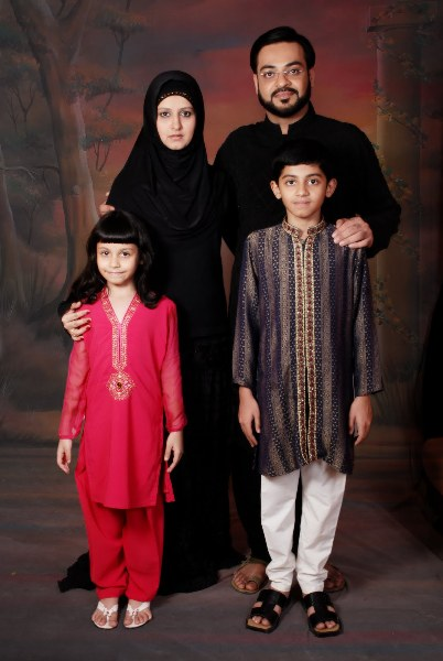 Dr Aamir Liaquat with family